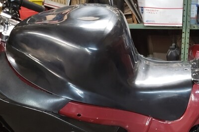 Hardcore Hayabusa Stingray Style Tank Shell for NON Cut Rail Forward Seat Position