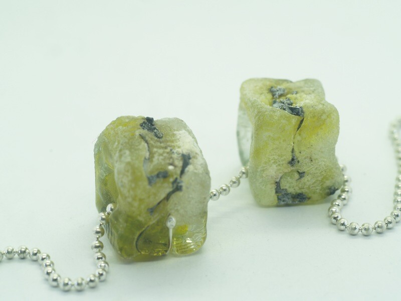 sea wash seaweed square emubeads with inclusions