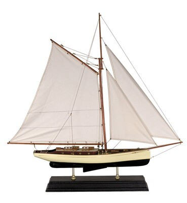 1930'S CLASSIC YACHT - LARGE