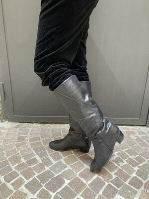 Vintage 1990 Boots with Fur in Black