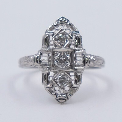 Antique Edwardian Platinum Diamonds Ring