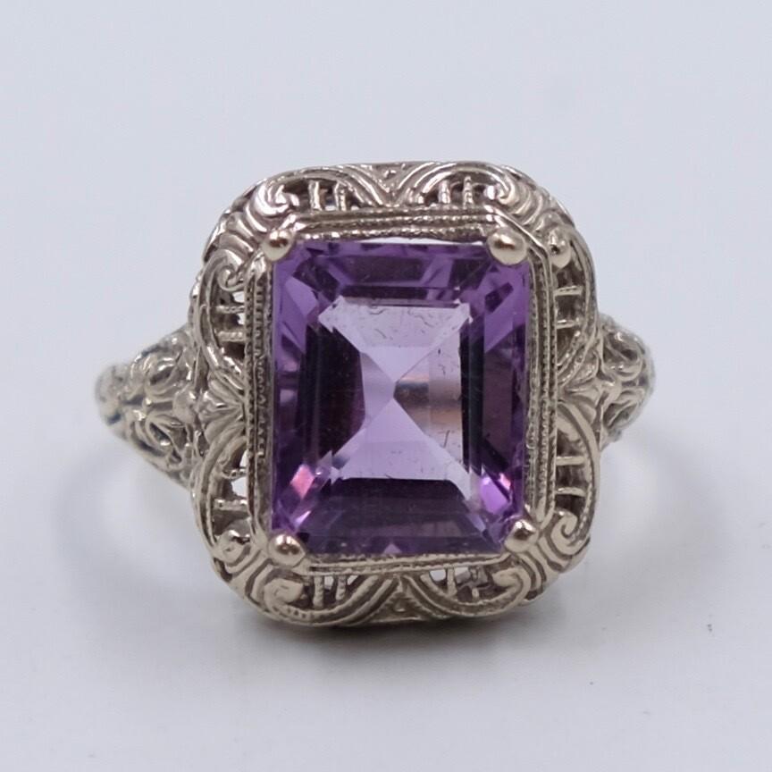 Vintage 14K White Gold Amethyst Ring