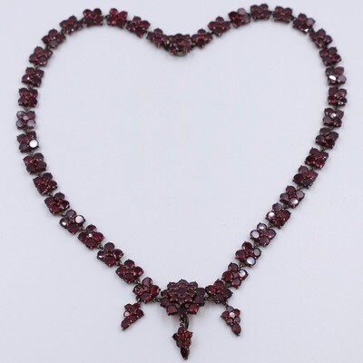 Antiques Victorian Garnets Necklace