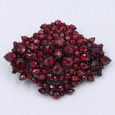 Antique Victorian Garnets Brooch