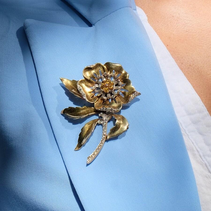 Vintage Mazer Flower Massive brooch 1940s