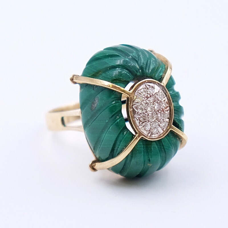 Vintage Cocktail Ring 14K Yellow Gold Diamonds Carved Malachite size 7-7.5