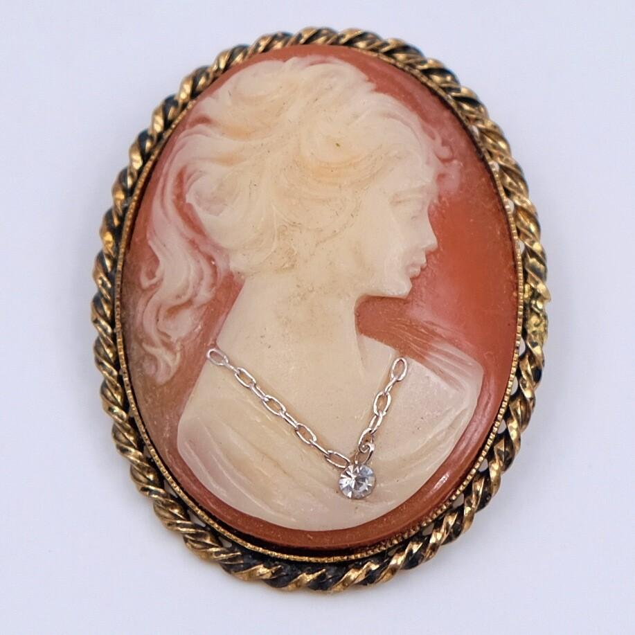 Antique Cameo Victorian brooch