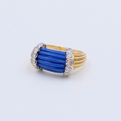 Vintage 14K Gold Carved Lapis Lazuli Diamonds Ring size 4.5
