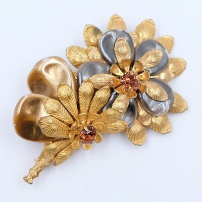 Vintage Miriam Haskell Mother of Pearl Flowers Brooch