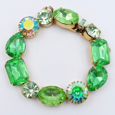 Regency Unmarked Lime Color Bracelet 1960s