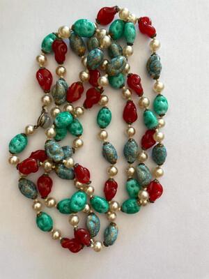 Glass Sotuar Long Necklace 1940s