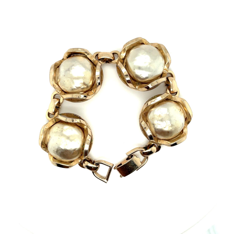Vintage Bergere Faux Pearls Bracelet 1960s