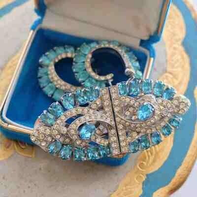 Joseph Weisner N.Y. Blue Aqua Imitation Dress Clips and Earrings 1940's