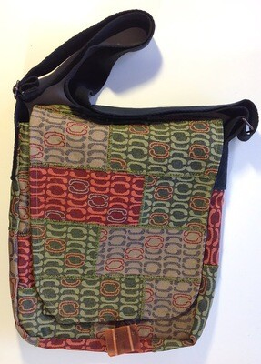 Create Your Own Upcycled Messenger Bag or Handbag with Tamara Russell