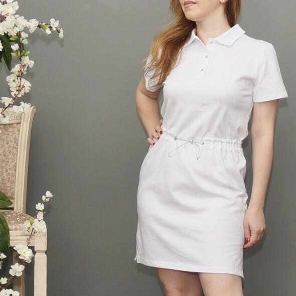 Платье-поло белое с поясом-резинкой