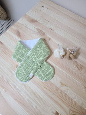 [Handmade] quilted scarf_ green floral