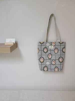 Echo Bag medium _ Checkered Anne