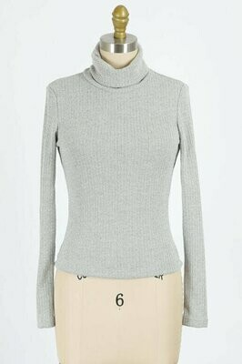 Ribbed Turtle Neck in Heather Grey