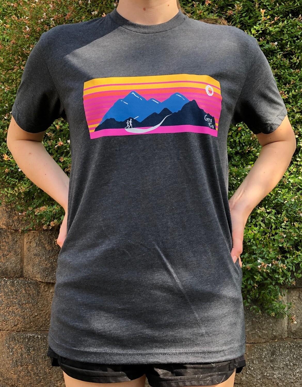 Gotta Run Lifestyle Mountain Sunset 60/40 Blend T-shirt - Charcoal - Size Medium