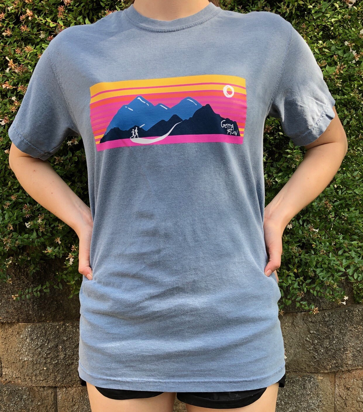 Gotta Run Lifestyle Mountain Sunset Comfort Color 100% cotton T-shirt - Blue Jean - Size X-Large