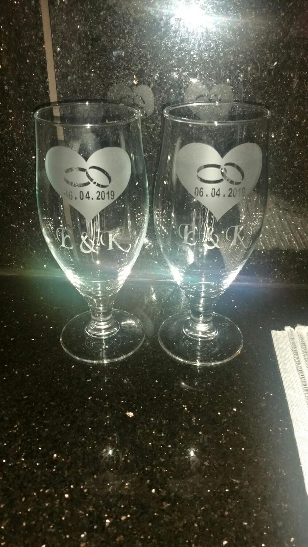Bryllups glass med din egen dato og navn. Kr 250 pr glass