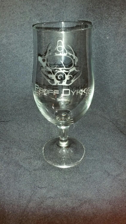Firma logo gravert på glass