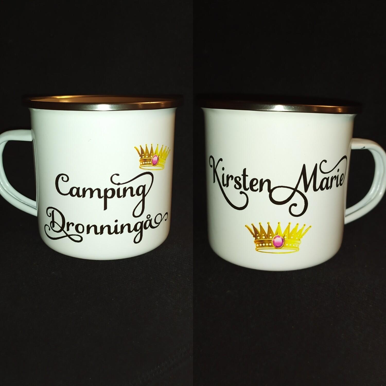 2020 Camping Dronningen / Konge krus , bokmål eller dialekt tekst  med eget navn.