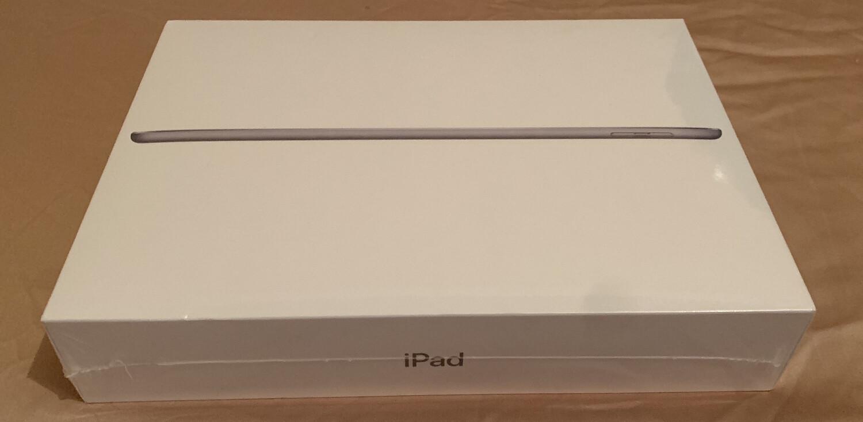 * New Apple Ipad 6th Gen*
