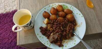 Beignets + Haricots+Bouillie de maïs
