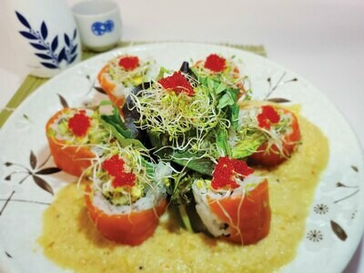 Salmon Flower Roll