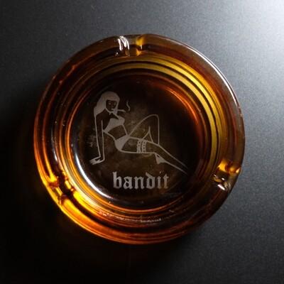 BANDIT Ashtray Smoking Lady