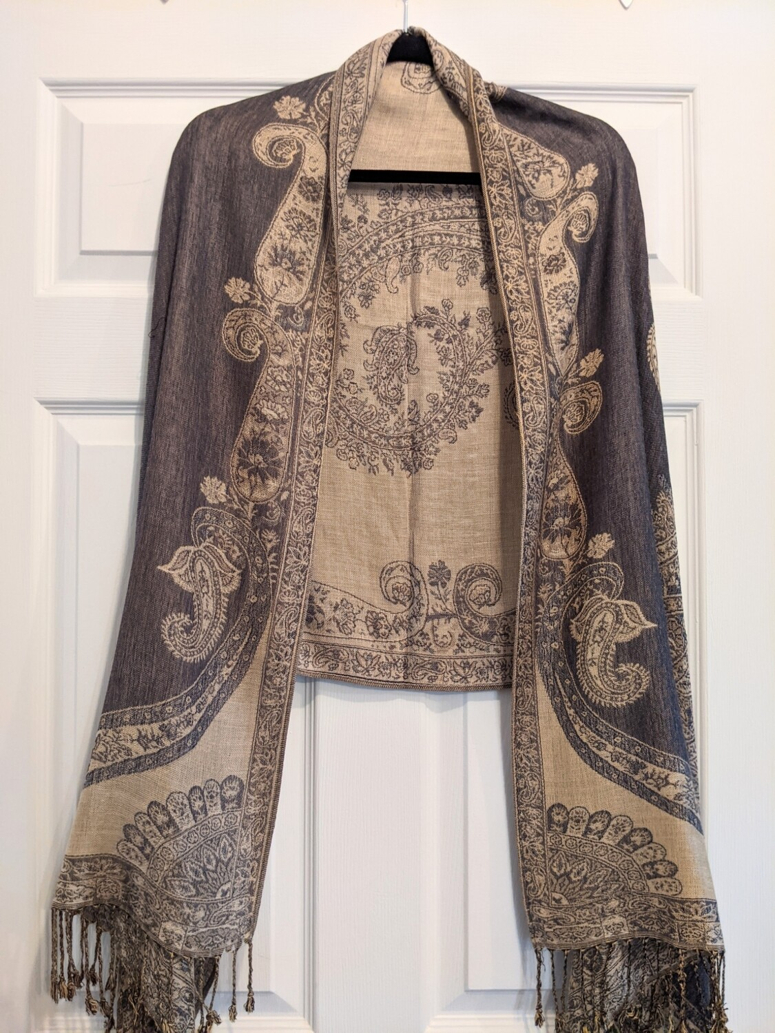 Pashmina - Grey and Gold