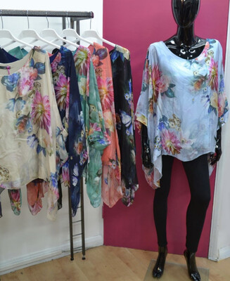 FLORAL SILKY TOUCH FLOATY TOP