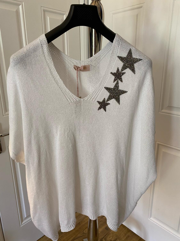 V NECK STAR JUMPER. WHITE