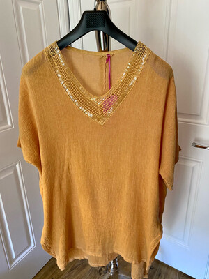LINEN COTTON MIX V NECK SPARKLE TOP