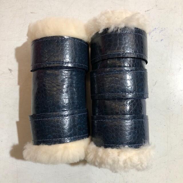 Sheepskin/Vinyl Show Boots (Cob)