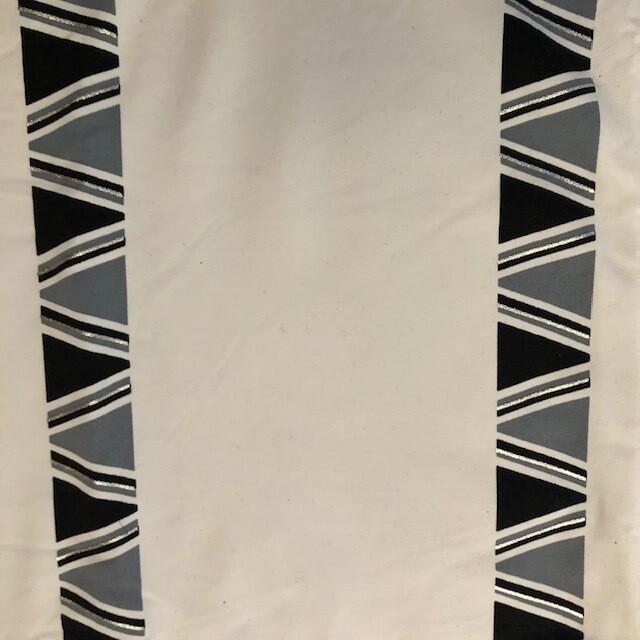 White/Aztec Stripe
