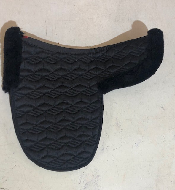 "Numnahs 14 1/2"" Black - Quilted with Sheepskin Roll"