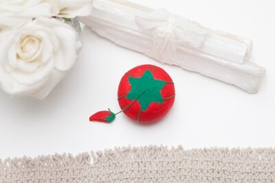 TOMATO PIN CUSHION (Medium) | Dritz