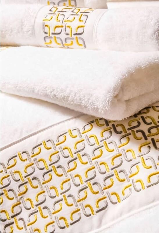 RN Renaissance Paris Bath Towel Perfection, Prestige