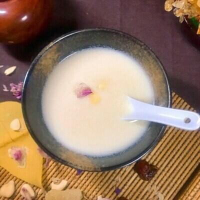 生磨杏仁茶 (Grinded Almond Dessert Tea)