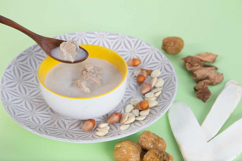 杏汁白肺湯(附湯料) (Pork Lung & Almond Soup)  (潤肺潤腸)