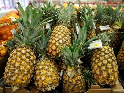 PINEAPPLES each