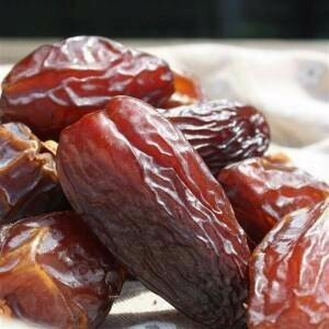 DATES MEDJOOL £4.25 Per 500g