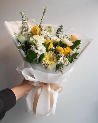 Heartfelt Condolence Yellow Bouquet