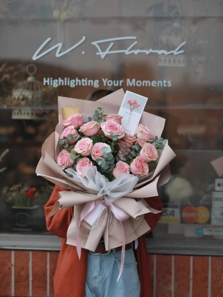 19 Pink Rose Bouquet
