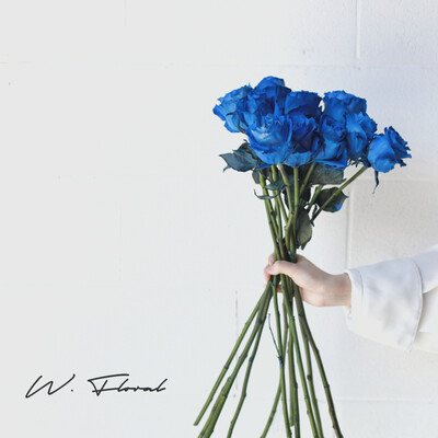 Bunch of Tinted Blue Roses
