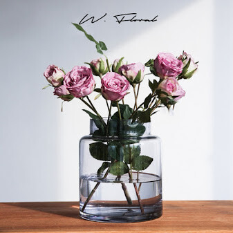W Vase