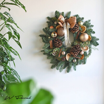 The Nordic Gold Haze Wreath - Coffee Gold