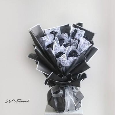 11 Black Rose Bouquet